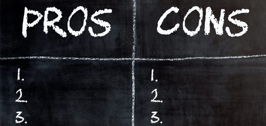 A blackboard with numbers 1-3 to list pros and cons.